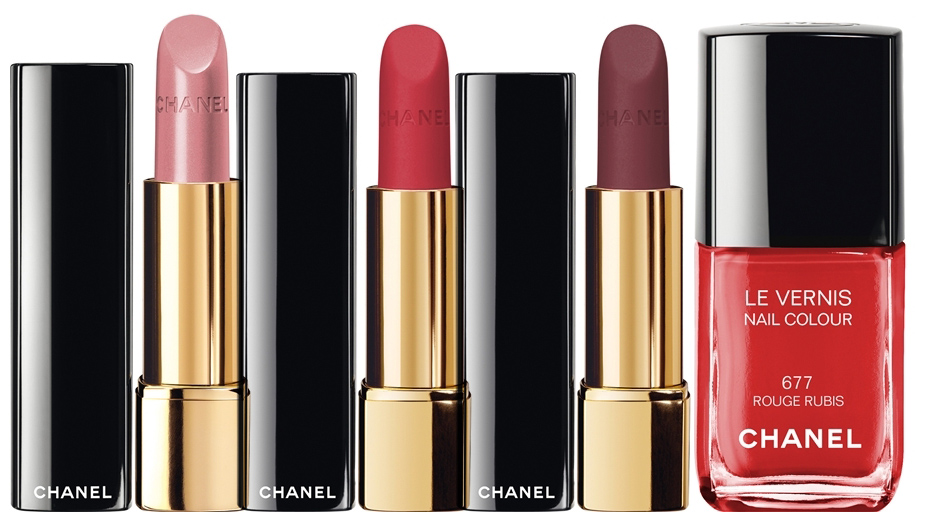 Chanel-Nuit-Infinie-de-Chanel-Makeup-Collection-for-Christmas-2013-lips-and-nails