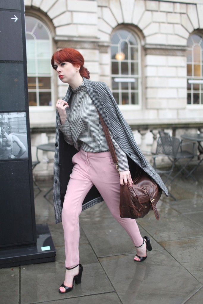 Street-Style-at-London-Week-Fall-2014-23